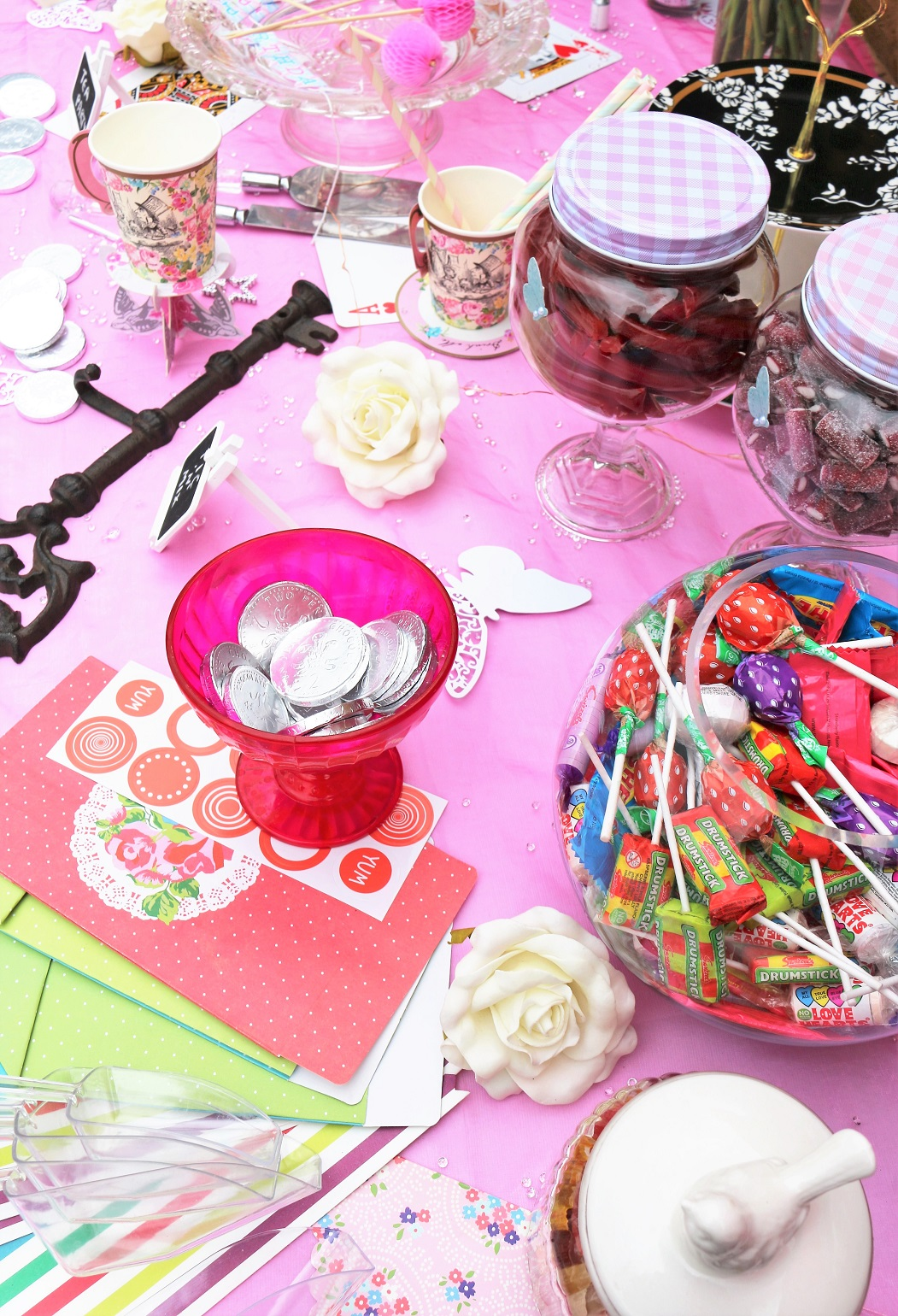 alice in wondereland theme party pic n mix table